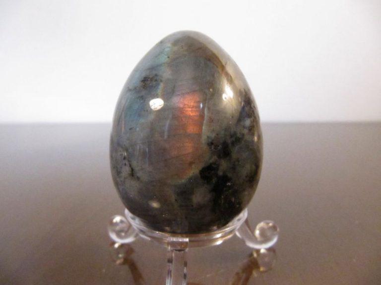 Яйце от Лабрадорит