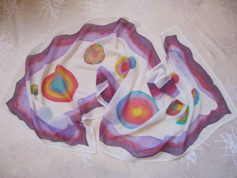 Рисуван шал